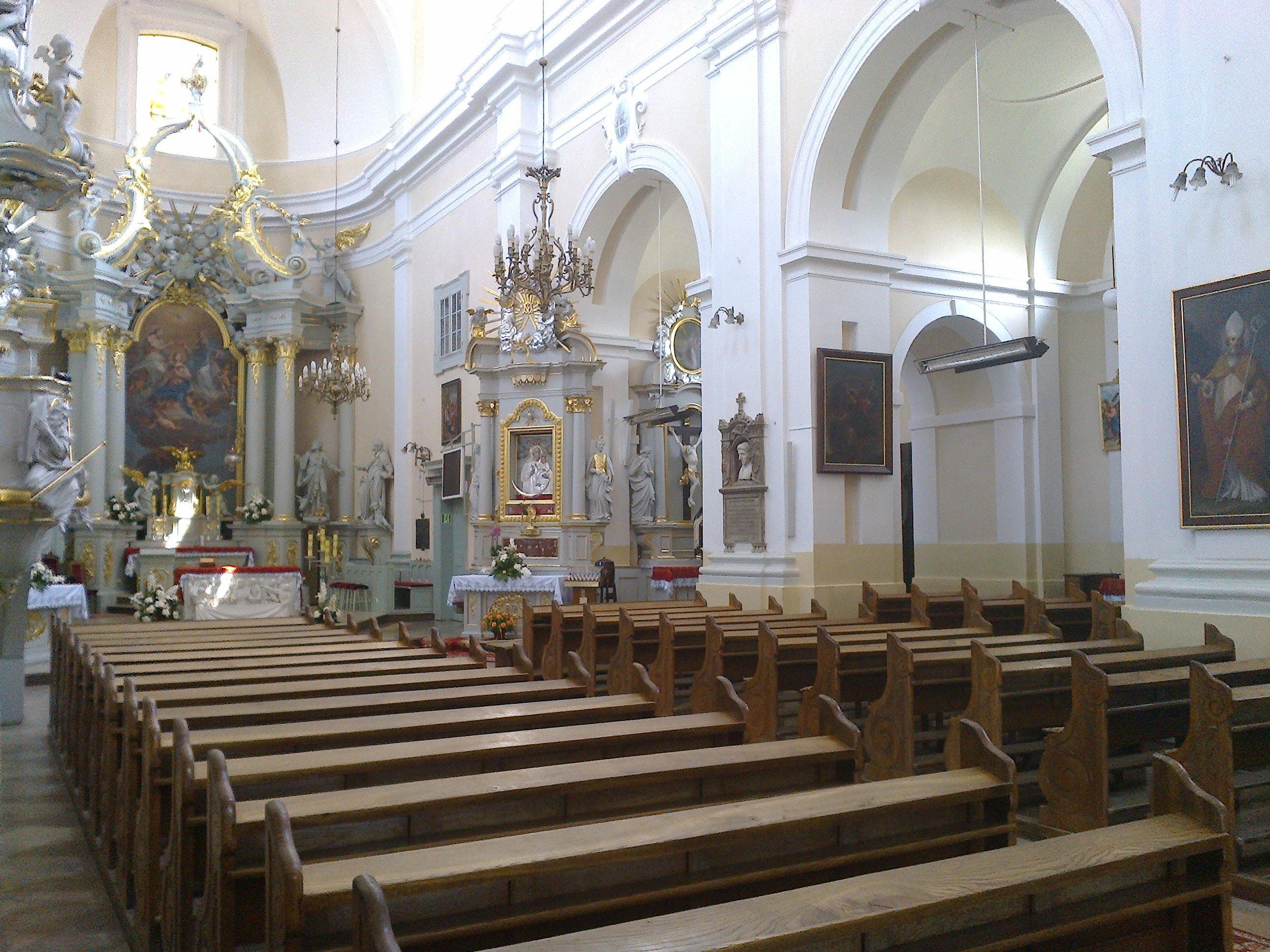 Widok spod chóru naołtarz mariacki