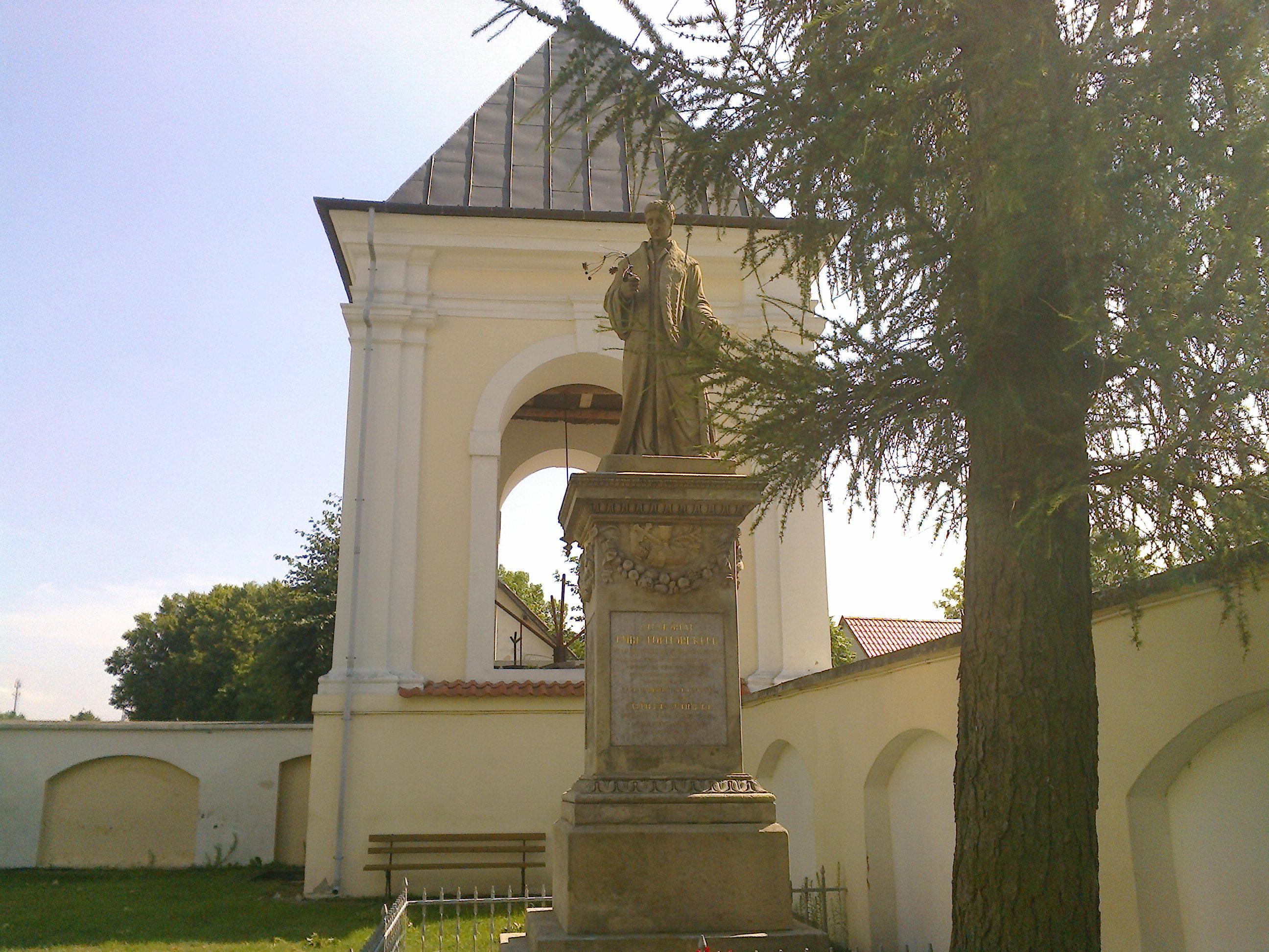 Pomnik ks. Krzysztofa Kluka